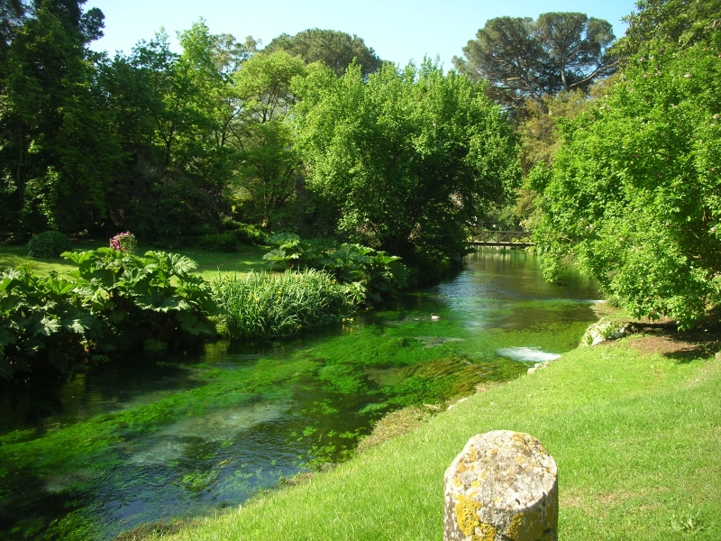 visita al giardino di ninfa latina